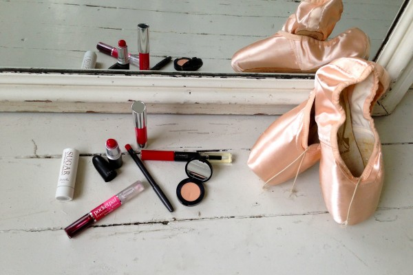 Get stage ready red lips!